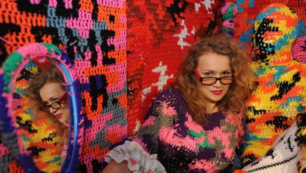 agata olek no brasil na mostra de arte do sesc
