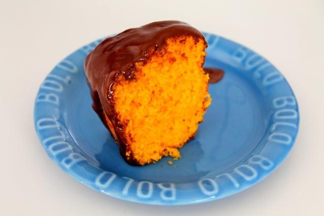 bolo de cenoura com cobertura de chocolate3