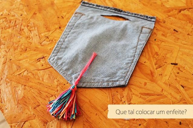 porta-carregador de celular feito com jeans4