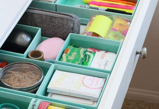 organização com materiais reaproveitados