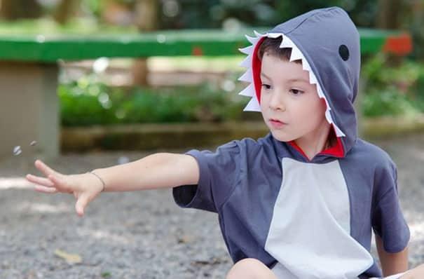 camiseta festa tema tubarão