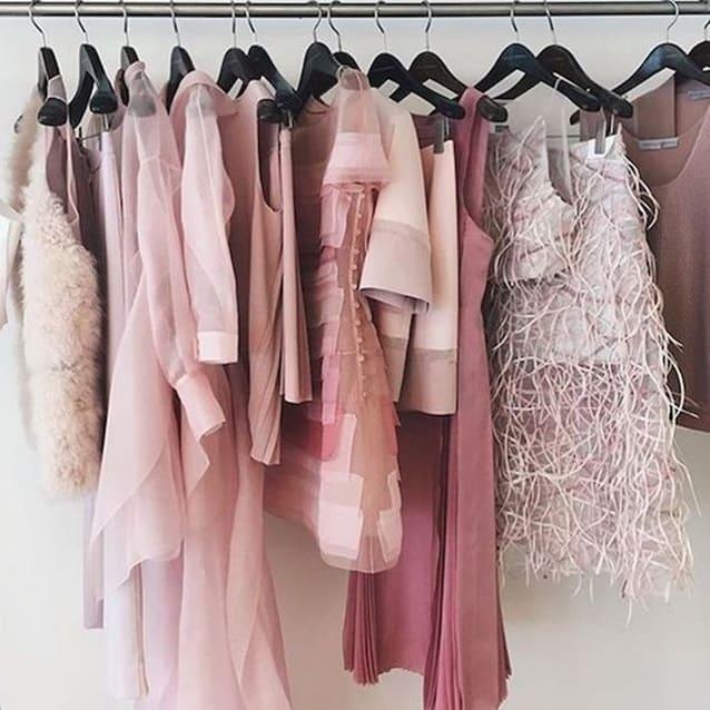 rosa de volta a moda