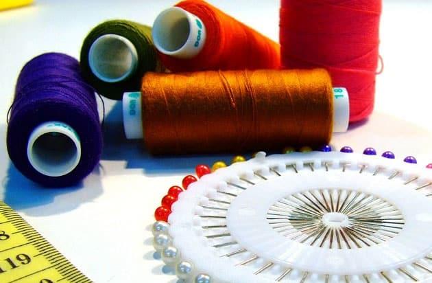 corte e costura de roupas