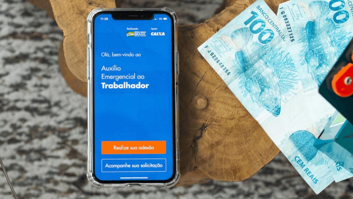 Como se cadastrar para receber o auxílio emergencial com o app da Caixa