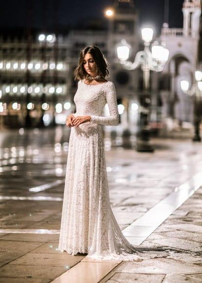 Tipos de vestido de noiva estilo reto.