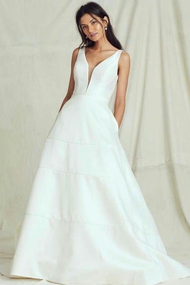 Noiva com vestido estilo Evasê.