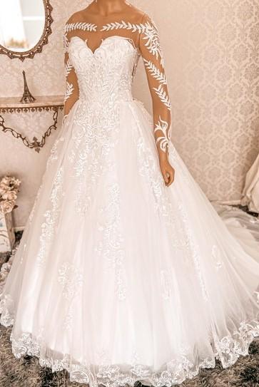 Vestido estilo princesa.