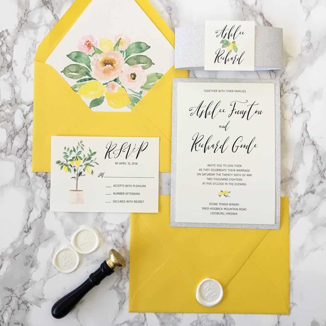 Convites de casamento na cor do ano 2021 Pantone.